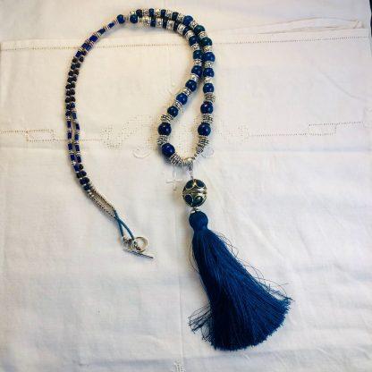 Halsband med silkestofs